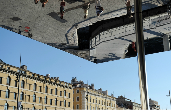 "Le ""Miroir"" de Norman Foster à Marseille. © Photo D.Raux"