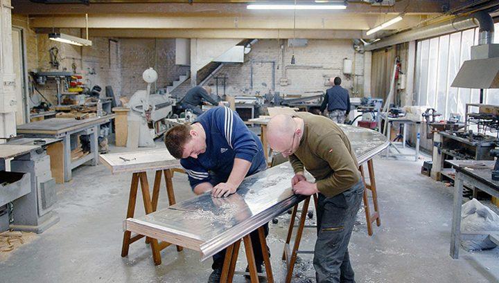 Les ateliers Nectoux, dernier fabricant de comptoir en zinc à Puteaux. © Didier Raux