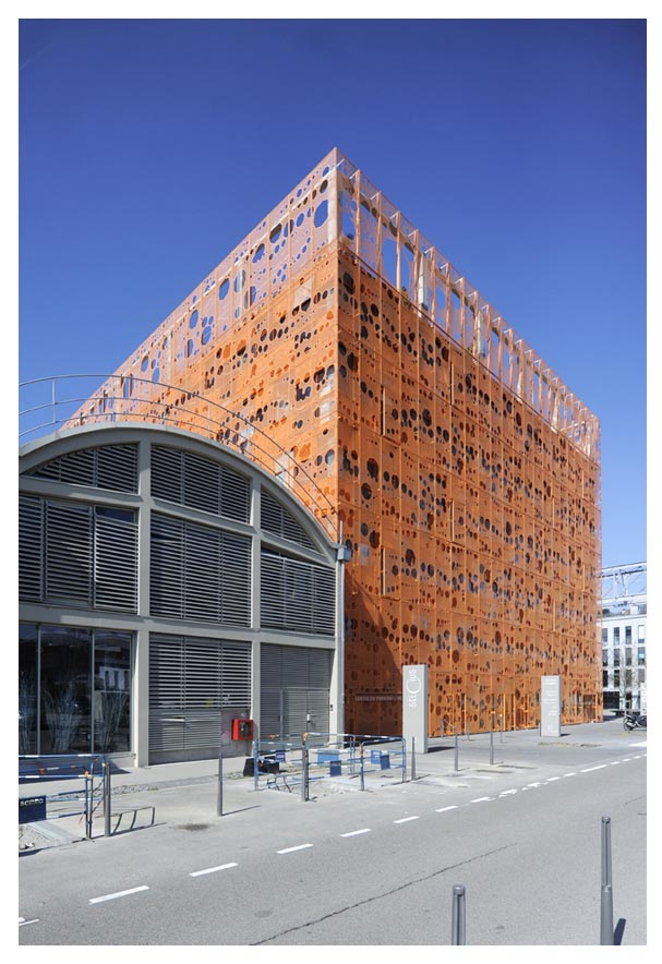 Immeuble Confluences Lyon © D Raux 2