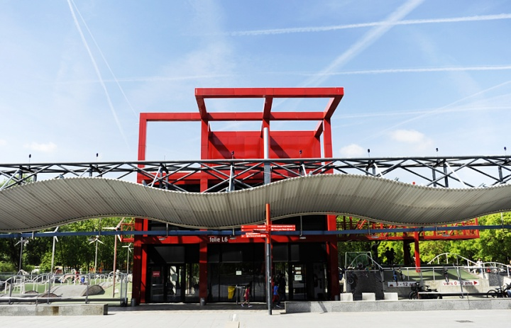 """Les """"Folies"""" du Parc de la Vilette à Paris. ©Didier Raux"""
